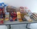 Alimentos arrecadados na Palestra Magna que serão doados.